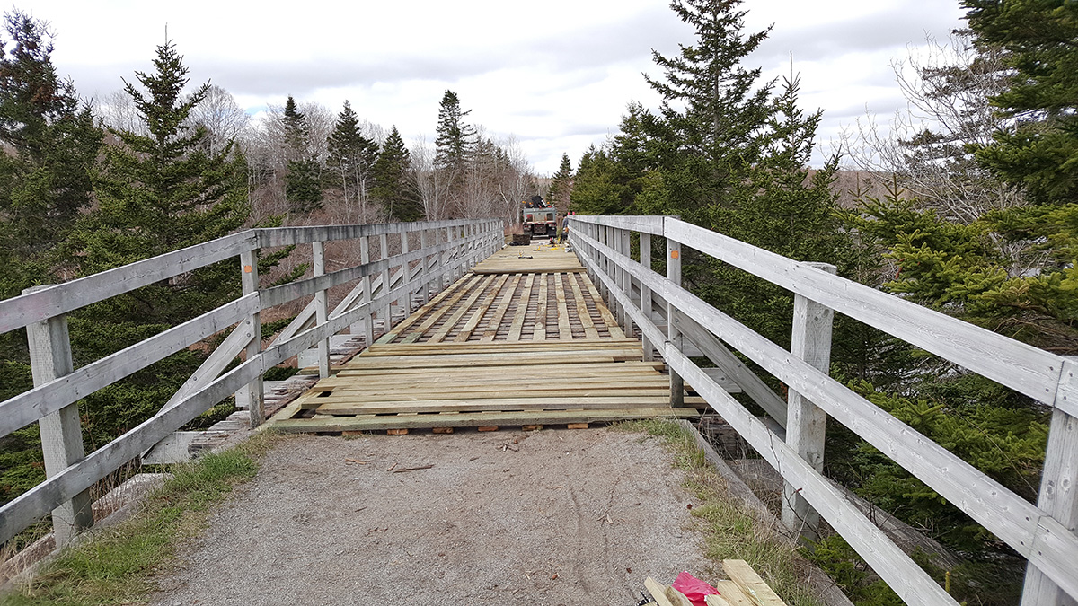 Rails-to-Trails-Bridge-resurfacing2